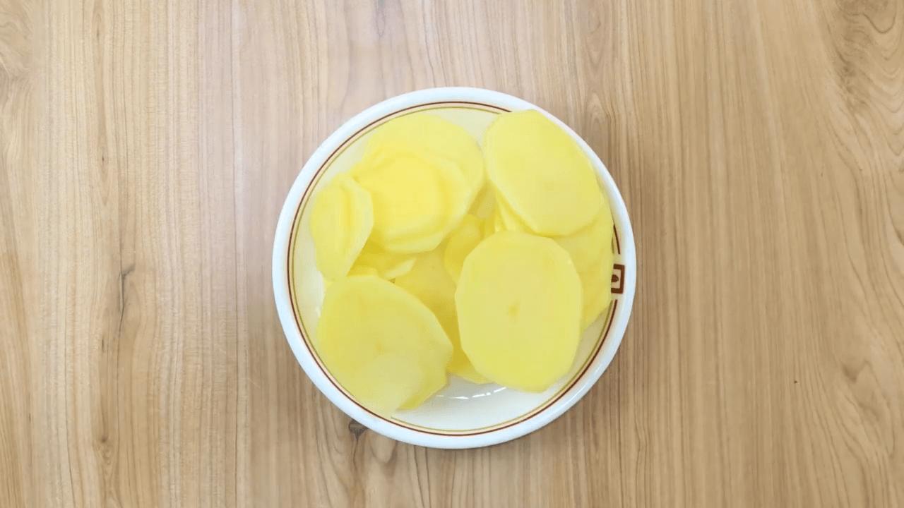 Surti Bataka Puri step-1