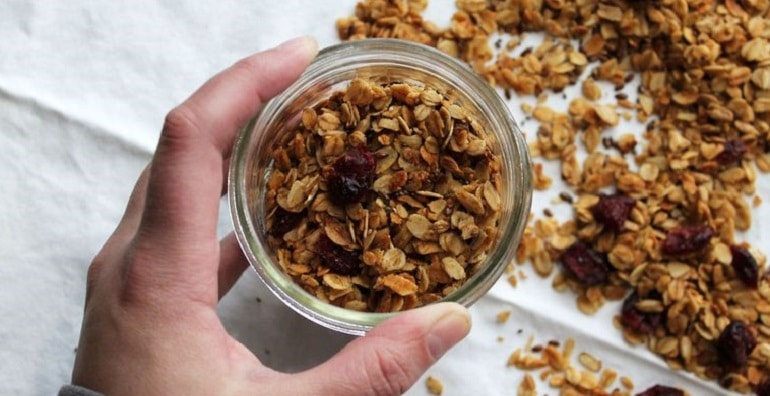 Maple olive oil with granola