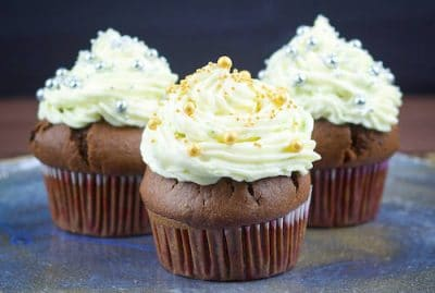 chocolate-muffins-with-cream-cheese-and-mascarpone-frosting