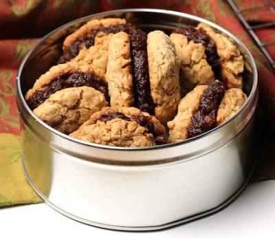 oatmeal-date-sandwich-cookies