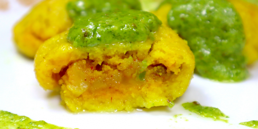 stuffed-kapuria-with-green-cheese-sauce1