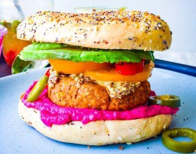 vegan-breakfast-sandwich-with-tempeh-avocado-AND-TOMATO