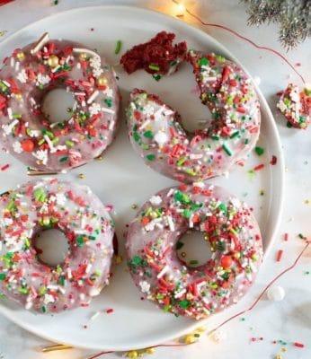 vegan-red-velvet-baked-donuts
