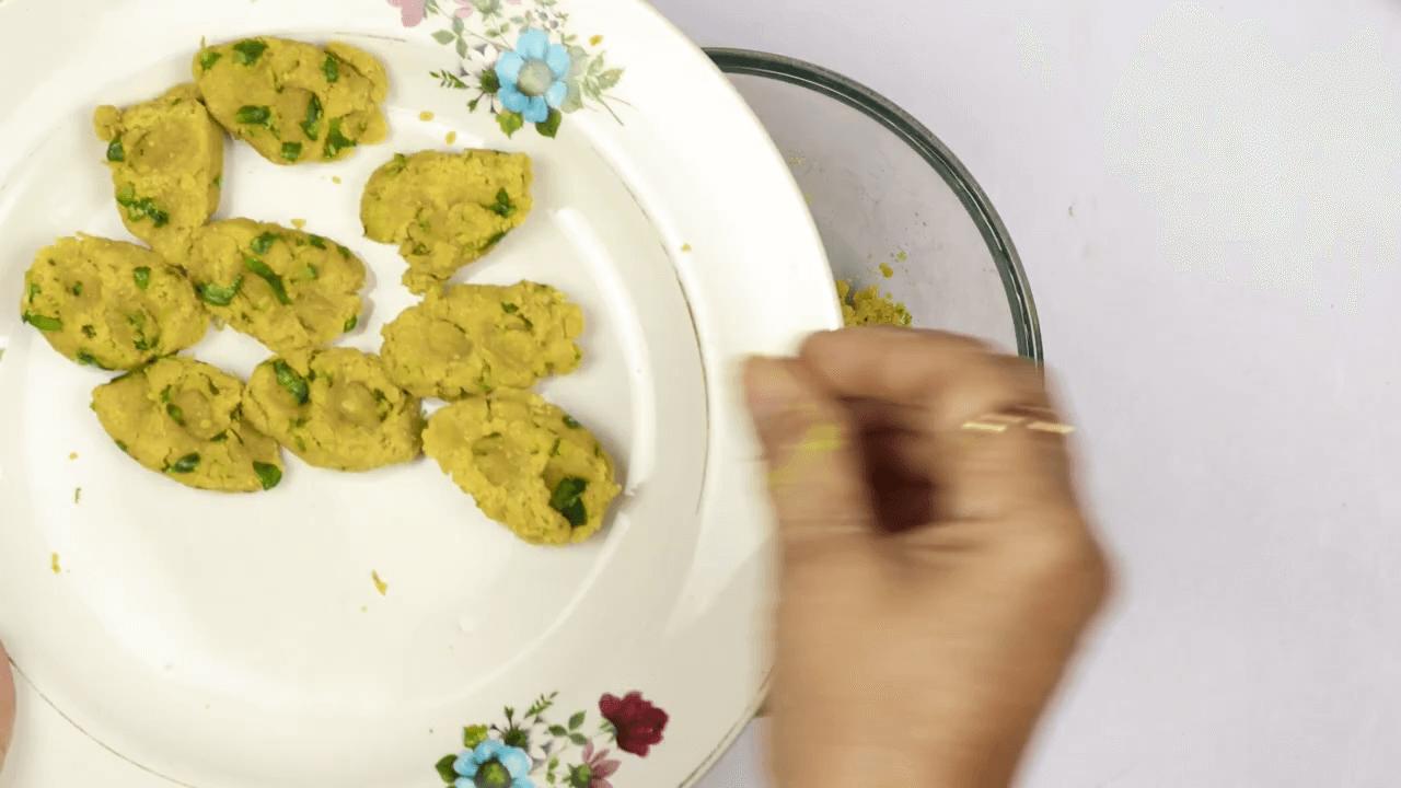 Methi Muthiya With Homemade Sauce step-1