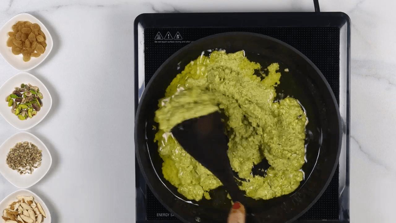 Green Moong Dal Halwa step-2