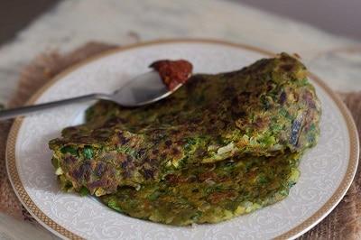 Spinach Thalipeeth