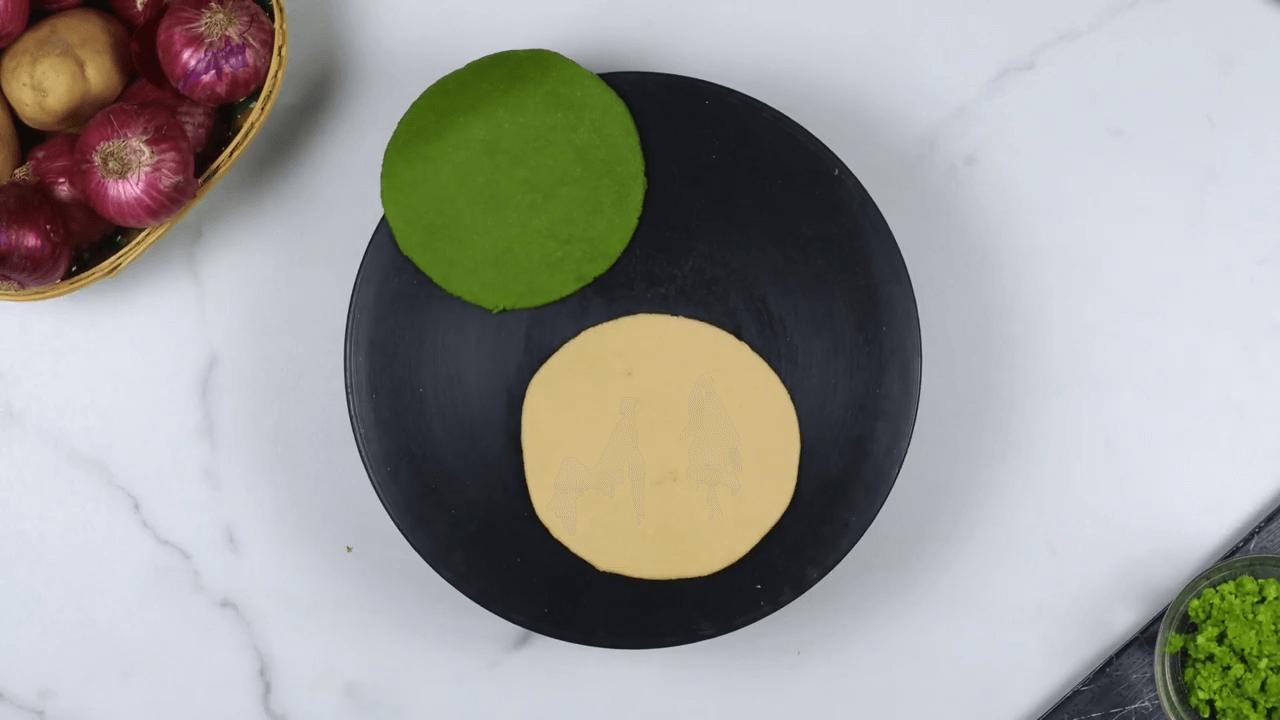 Palak Puree Masala Gujiya step-3