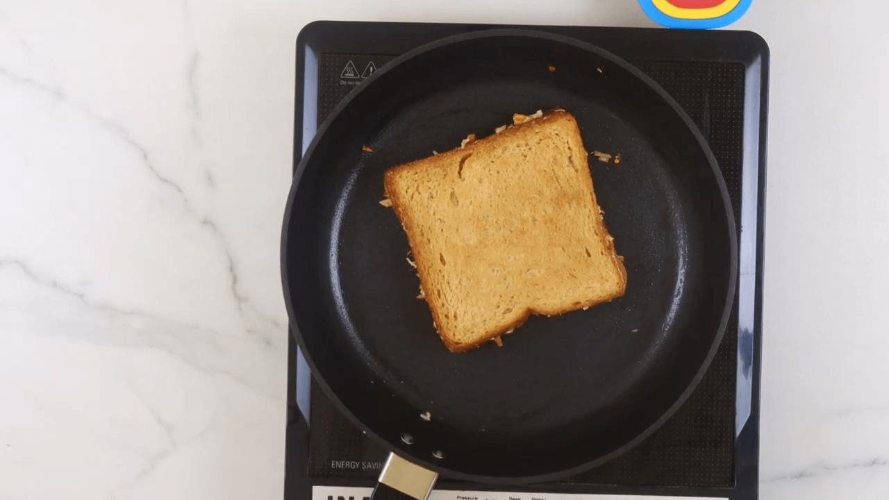 Cheese Schezwan Sandwich step-6
