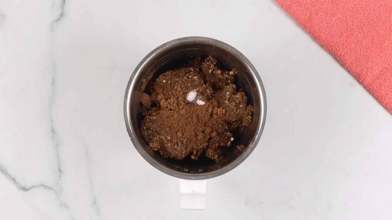 No-Bake Oatmeal Energy Balls step-4