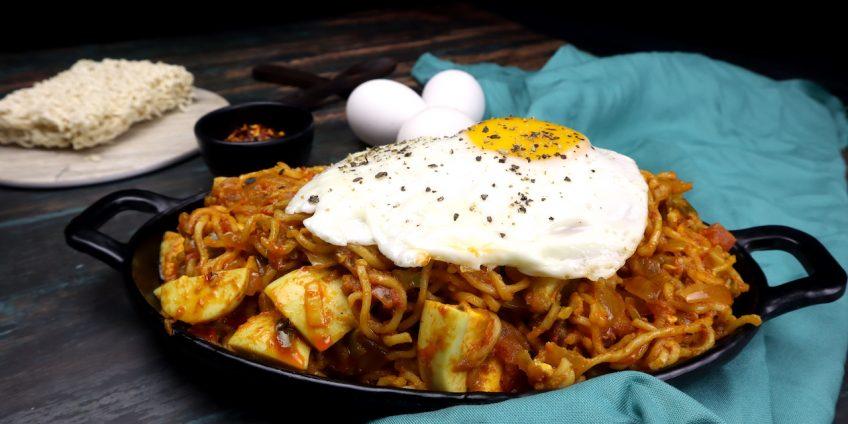 boiled egg masala maggi
