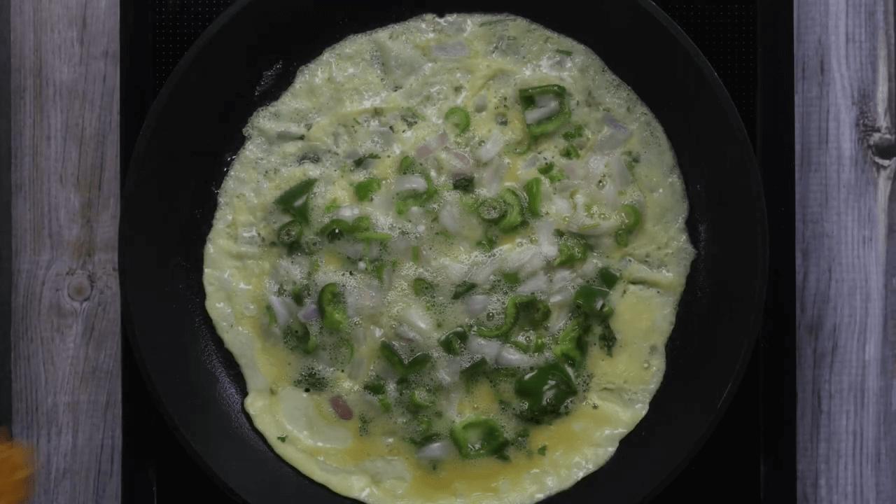 Maggi Egg Omelette step-5