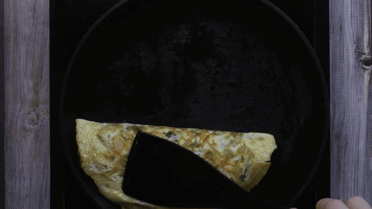Maggi Egg Omelette step-7