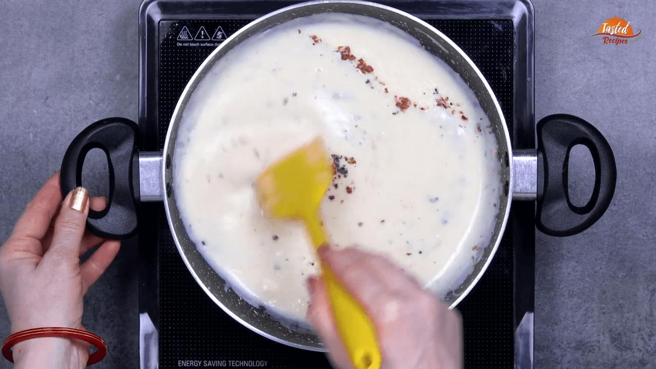 creamy white sauce step-5