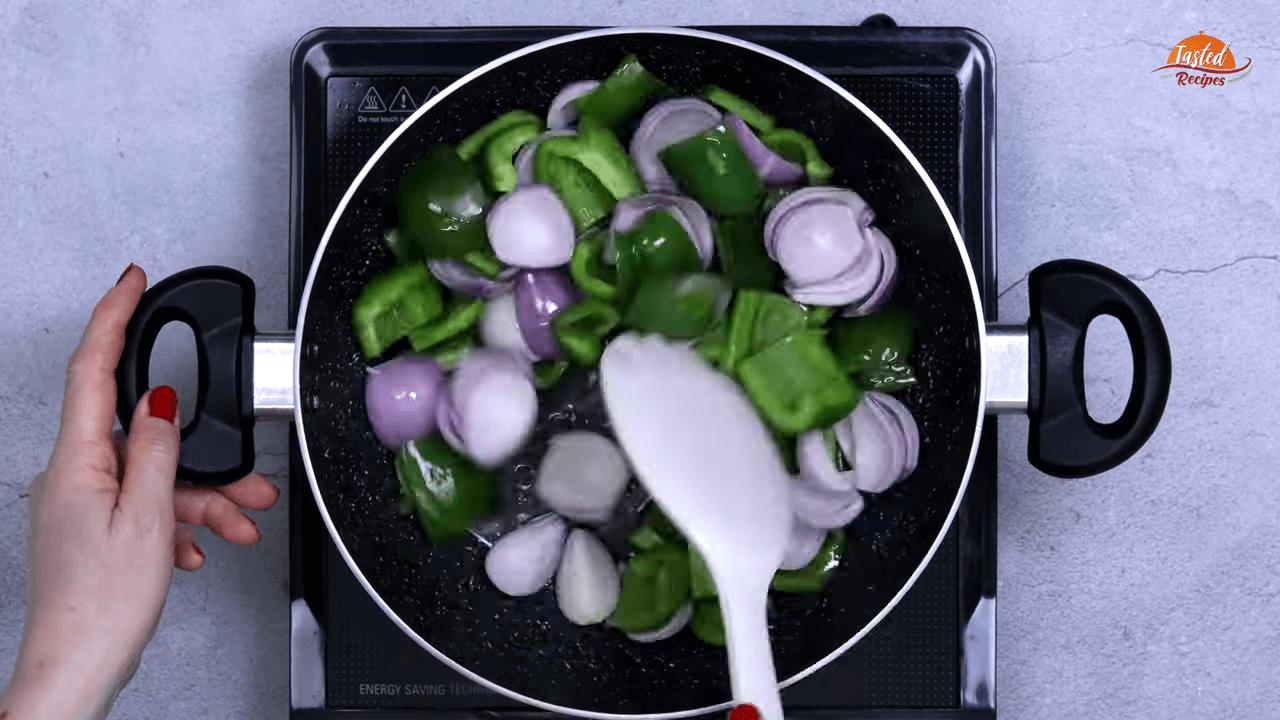 Onion Capsicum Sabji step-1